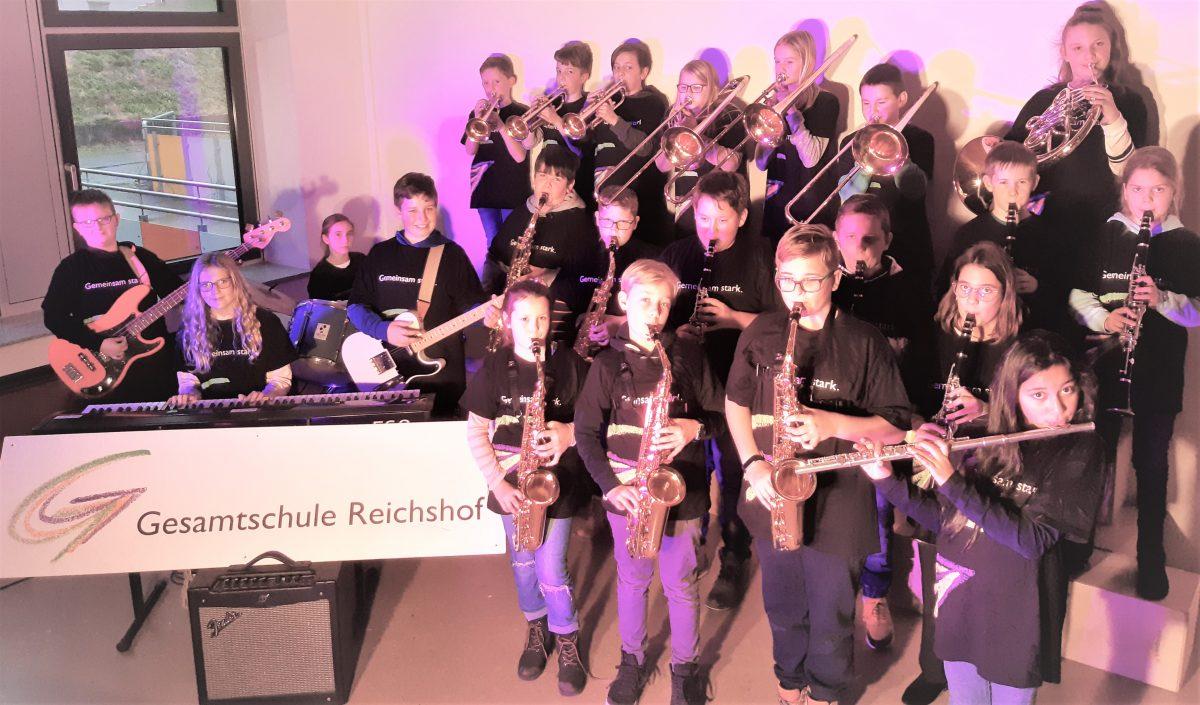 Big-Band-Klasse 5 der Gesamtschule Reichshof Eckenhagen startet mit Premierenkonzert