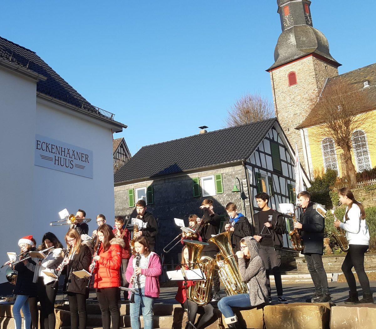 Besuch der Musikklasse 7e im Evangelischen Alten- und Pflegeheim Ragoczy-Stift Eckenhagen und in der Kurverwaltung