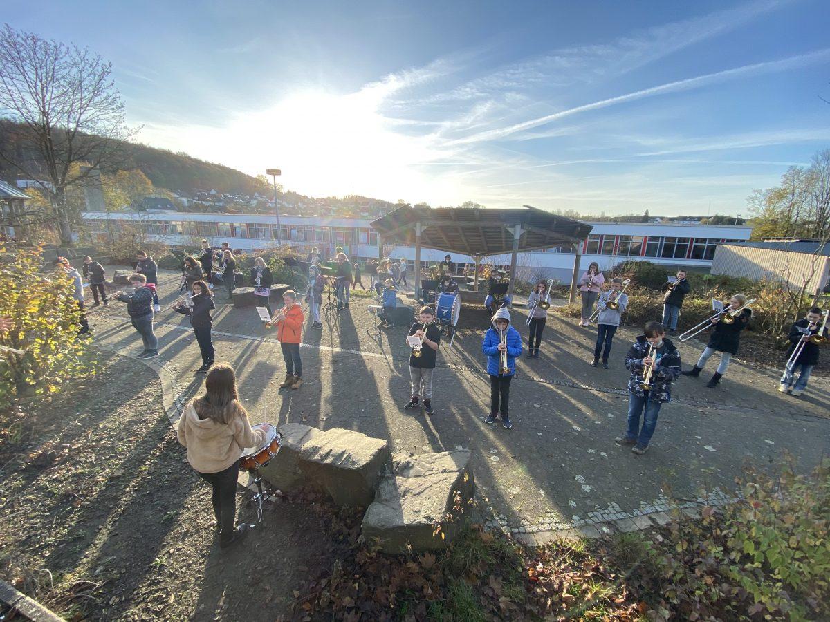 Big-Band-Klassen sorgen für St.-Martins-Atmosphäre